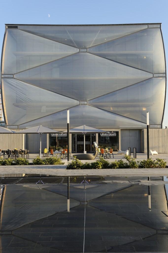 starck nuage 7 682x1024 - Philippe Starck, le nuage et l'architecture